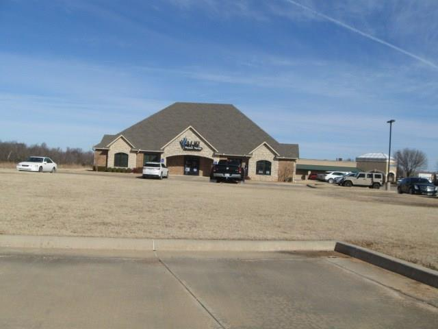 5 N Kickapoo (Villago Add) Street, Shawnee, OK 74804 (MLS #853185) :: Denver Kitch Real Estate