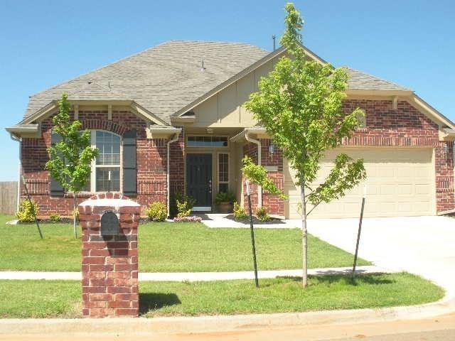 18209 Carillo Road, Edmond, OK 73012 (MLS #853476) :: Homestead & Co
