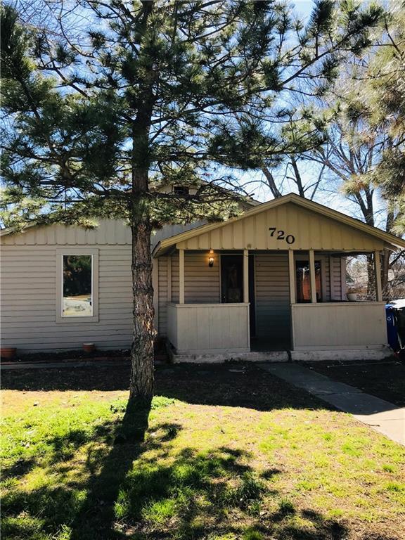 720 E Gray Street, Norman, OK 73071 (MLS #854330) :: Homestead & Co