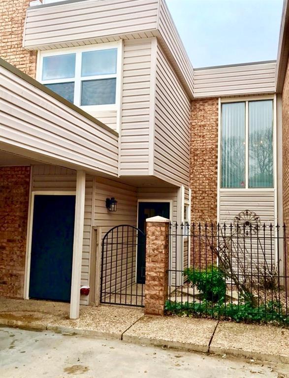 807 Maple Street, Ada, OK 74820 (MLS #854714) :: Homestead & Co