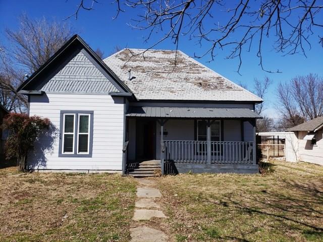 714 W 2nd Street, Ada, OK 74820 (MLS #856105) :: Homestead & Co