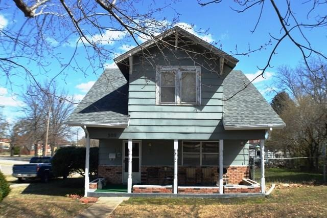 300 S Okfuskee Street, Wewoka, OK 74884 (MLS #857620) :: Homestead & Co