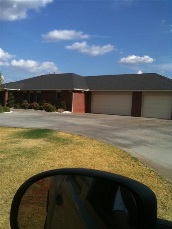 20276 E 1110 Road, Elk City, OK 73644 (MLS #858591) :: Homestead & Co