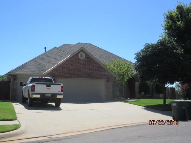 4300 Gallant Fox Drive, Edmond, OK 73025 (MLS #861000) :: Erhardt Group at Keller Williams Mulinix OKC