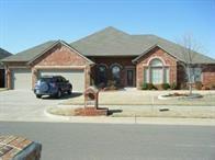 2013 SW 32nd Street, Moore, OK 73170 (MLS #863005) :: KING Real Estate Group