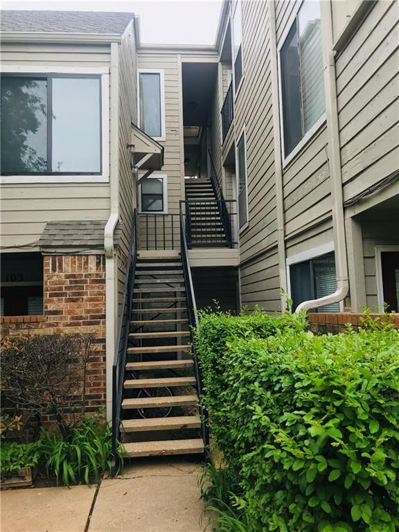 11530 N May Avenue D201, Oklahoma City, OK 73120 (MLS #865372) :: Denver Kitch Real Estate