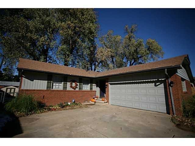 2009 N Keeton Avenue, Bethany, OK 73008 (MLS #867775) :: Homestead & Co