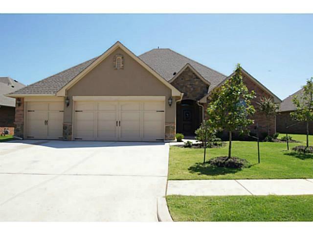 13532 Gentry Drive, Oklahoma City, OK 73142 (MLS #869018) :: Homestead & Co