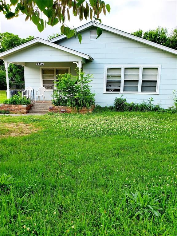 2340 NW 34th Street, Oklahoma City, OK 73112 (MLS #871116) :: Homestead & Co