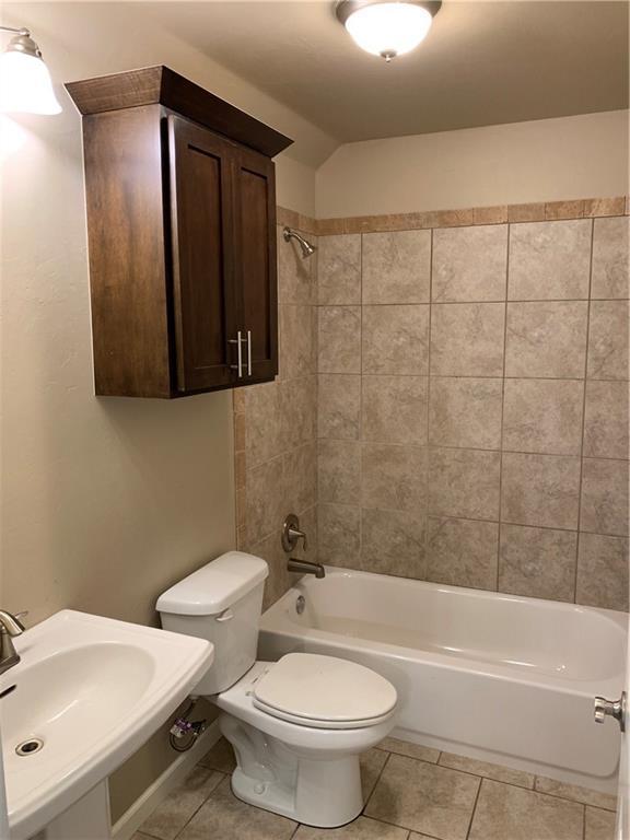 1405 NW 176th Street, Edmond, OK 73012 (MLS #871273) :: Homestead & Co