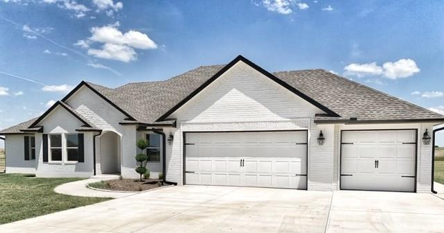 1750 Bobbie Lane, El Reno, OK 73036 (MLS #876076) :: Homestead & Co