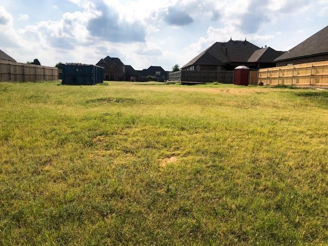 1305 N Chestnut Place, Weatherford, OK 73096 (MLS #878040) :: Keri Gray Homes
