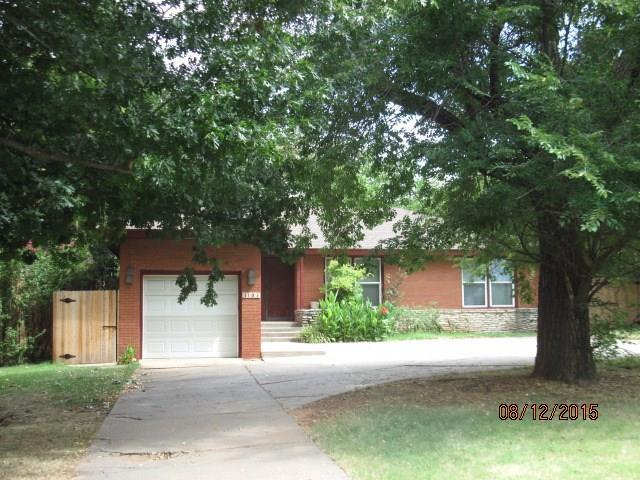 1101 W Bedford Drive, Nichols Hills, OK 73116 (MLS #878250) :: Homestead & Co