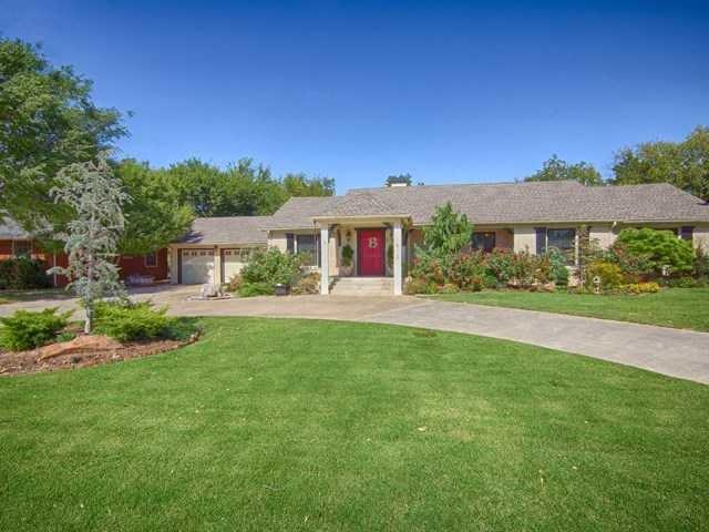 1813 W Wilshire Boulevard, Nichols Hills, OK 73116 (MLS #878253) :: Homestead & Co