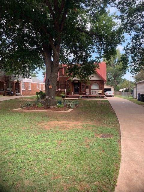 1620 W Chickasha Avenue, Chickasha, OK 73018 (MLS #884561) :: Erhardt Group at Keller Williams Mulinix OKC