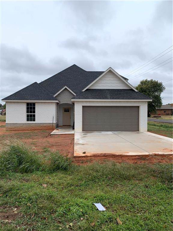 308 N 4th Street, Thomas, OK 73669 (MLS #889157) :: ClearPoint Realty