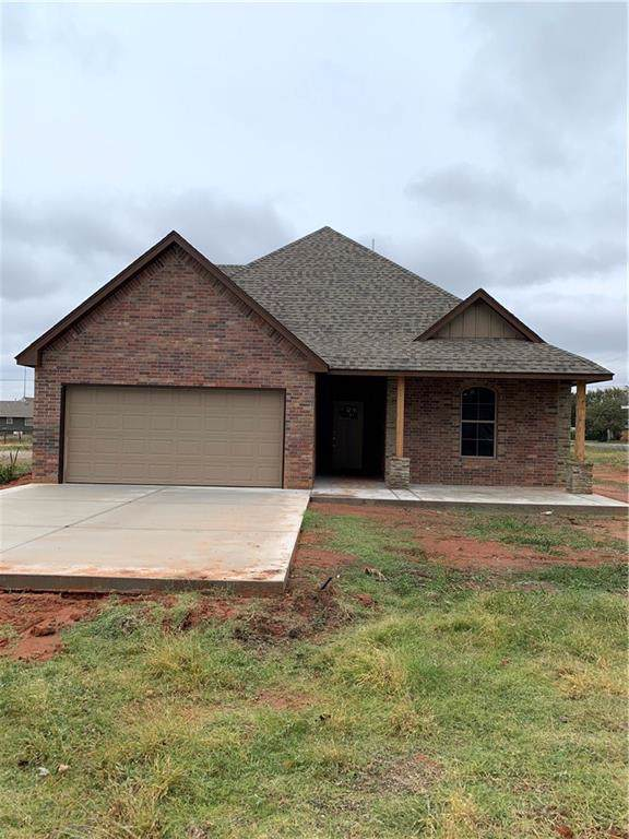 306 N 4th Street, Thomas, OK 73669 (MLS #889160) :: Homestead & Co