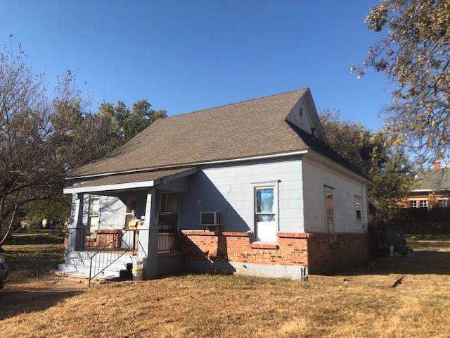 616 S 6th Street, Kingfisher, OK 73750 (MLS #889312) :: Homestead & Co