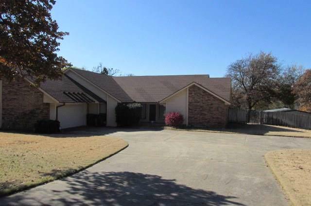 7521 Forest Lane, Oklahoma City, OK 73150 (MLS #890030) :: Erhardt Group at Keller Williams Mulinix OKC