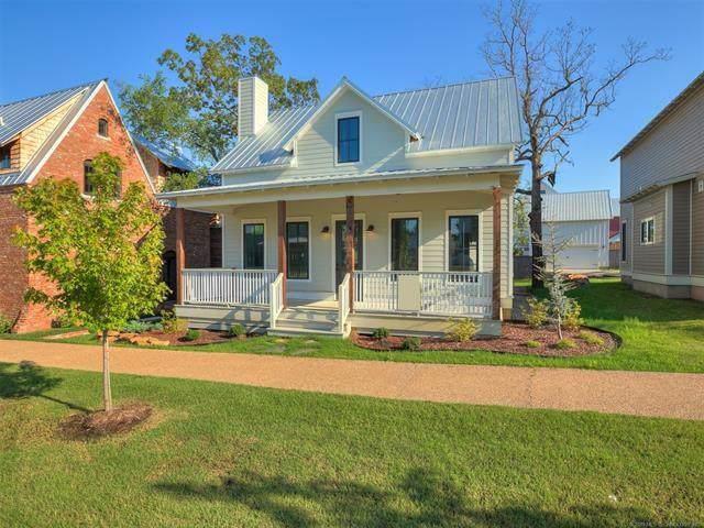 74 Lower Green Way, Carlton Landing, OK 74432 (MLS #890064) :: Homestead & Co