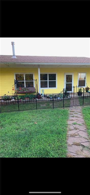 8330 N Bryan Avenue, Shawnee, OK 74804 (MLS #890635) :: Homestead & Co