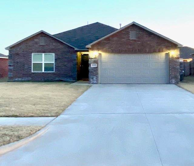 2024 W Oak Valley Way, Mustang, OK 73064 (MLS #891363) :: Homestead & Co