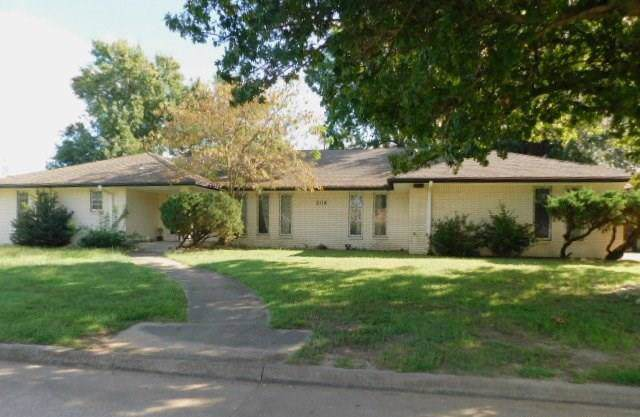 2114 Morgan Drive, Norman, OK 73069 (MLS #891748) :: Homestead & Co