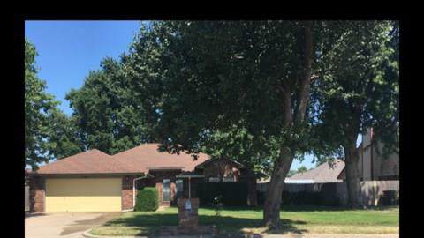 1604 S Avery, Midwest City, OK 73130 (MLS #892553) :: Homestead & Co