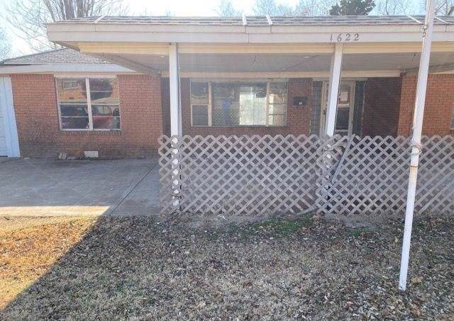 1622 W Modelle Avenue, Clinton, OK 73601 (MLS #895171) :: Homestead & Co