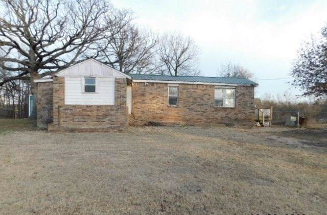 2604 Spencer Lane, Choctaw, OK 73020 (MLS #896581) :: Homestead & Co