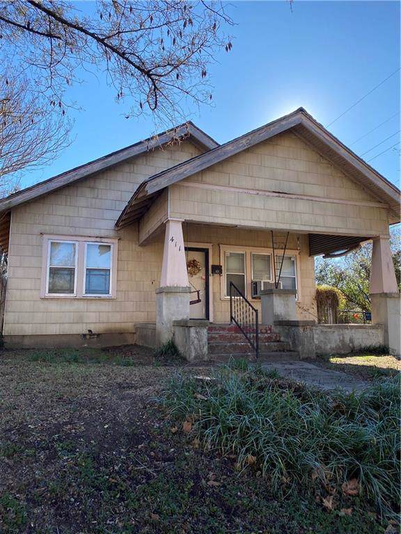 411 W Highland Street, Shawnee, OK 74801 (MLS #896586) :: Erhardt Group at Keller Williams Mulinix OKC