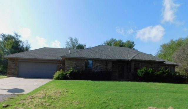 2014 E State Highway 152, Mustang, OK 73064 (MLS #896917) :: Homestead & Co