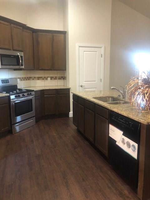 511 W Buena Vista Street, Cashion, OK 73016 (MLS #897128) :: Homestead & Co