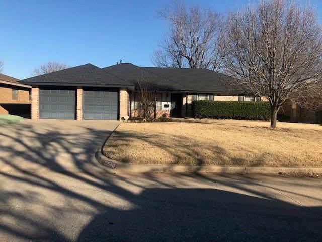2208 Fox Avenue, Moore, OK 73160 (MLS #897827) :: Homestead & Co