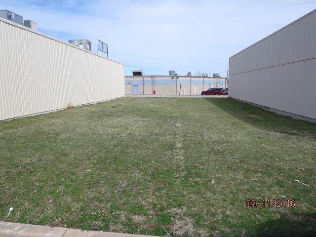 1212 Air Depot Boulevard - Photo 1