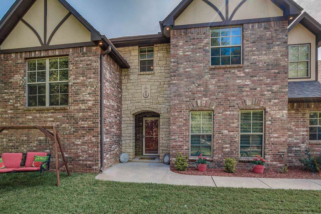 2314 Forest Road Circle - Photo 1