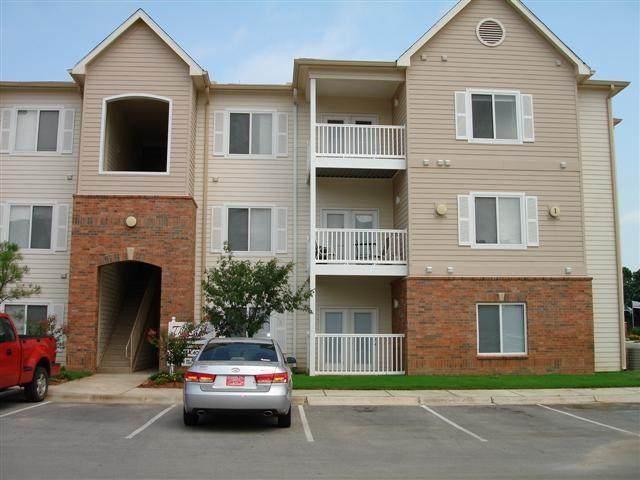 2200 Classen Boulevard 1-132, Norman, OK 73071 (MLS #902819) :: Homestead & Co