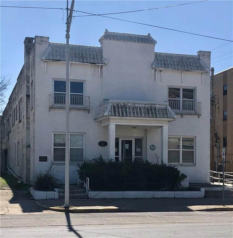 111 12th Street - Photo 1