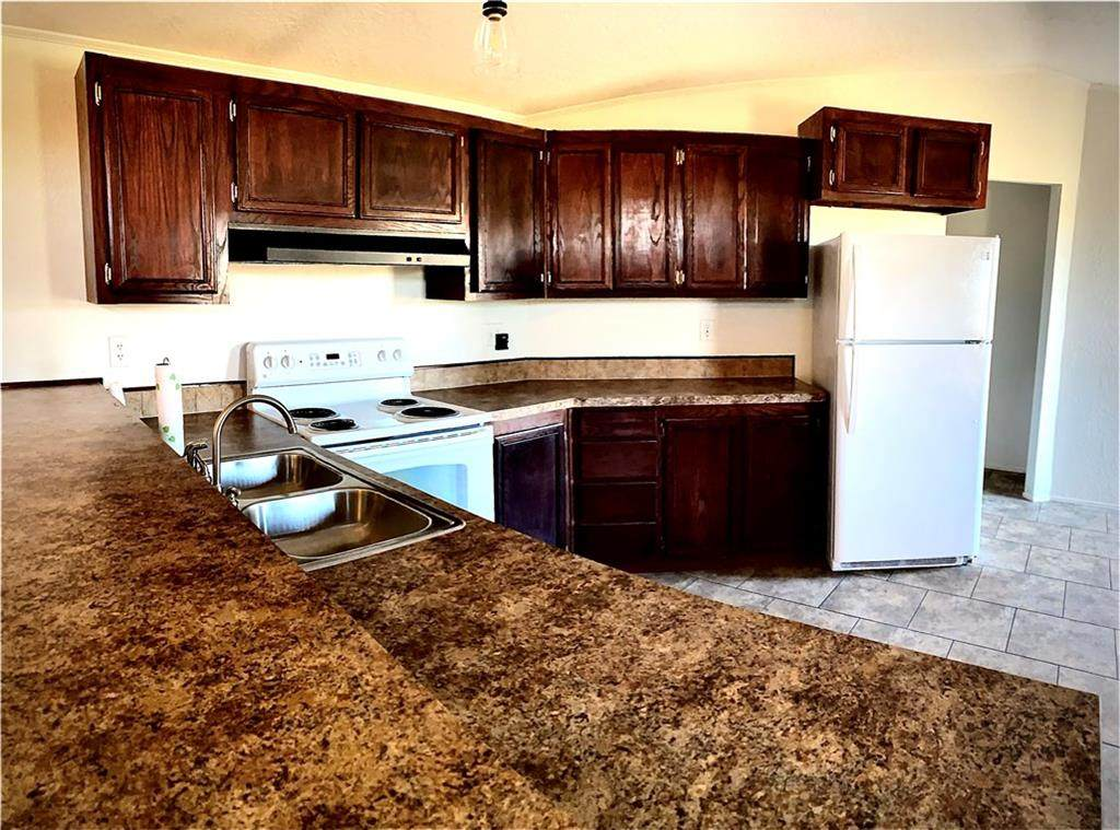 17000 Rolling Meadows - Photo 1