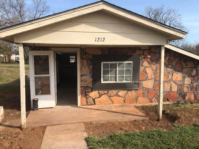 1212 E Cleveland Avenue, Guthrie, OK 73044 (MLS #904106) :: ClearPoint Realty