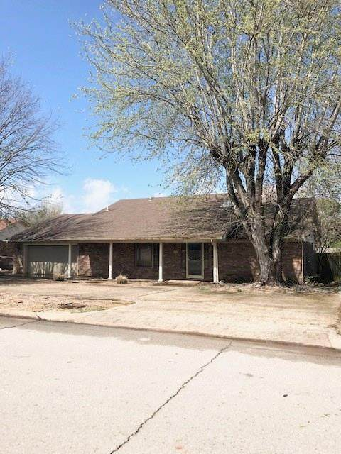1735 Brookside Drive, Purcell, OK 73080 (MLS #904969) :: Erhardt Group at Keller Williams Mulinix OKC