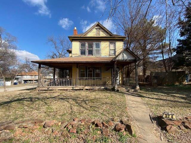 324 N Broad Street, Guthrie, OK 73044 (MLS #905954) :: Homestead & Co
