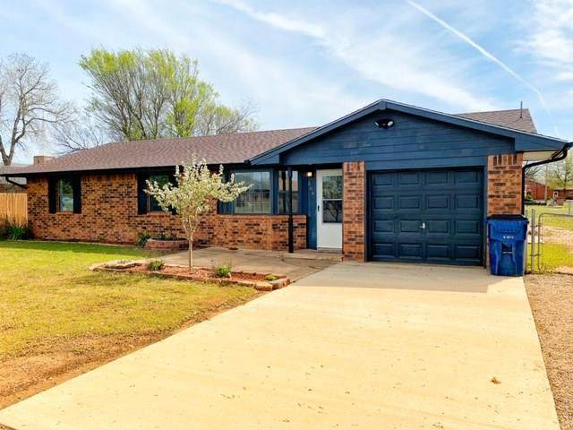 306 N Cherry Avenue, Union City, OK 73090 (MLS #906361) :: Homestead & Co