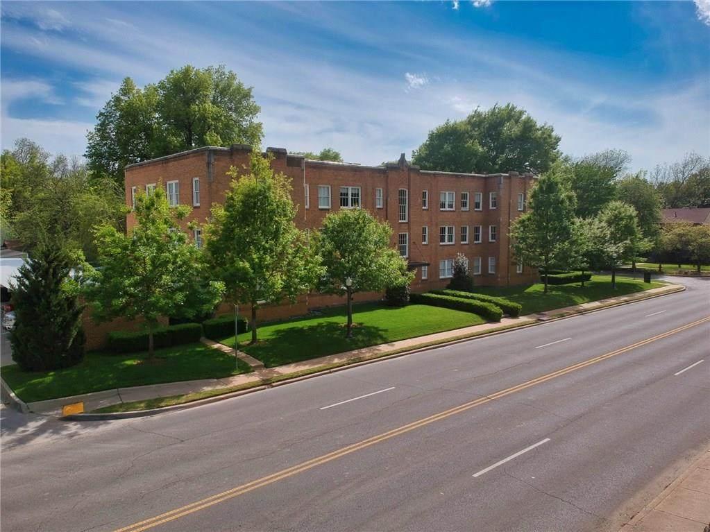 720 Boyd Street - Photo 1