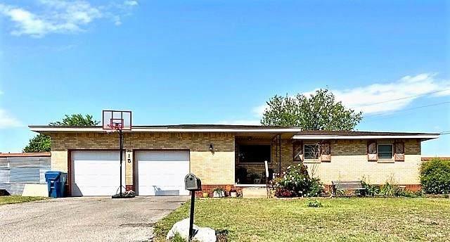 815 S Magnolia Street, Cordell, OK 73632 (MLS #910753) :: Erhardt Group at Keller Williams Mulinix OKC