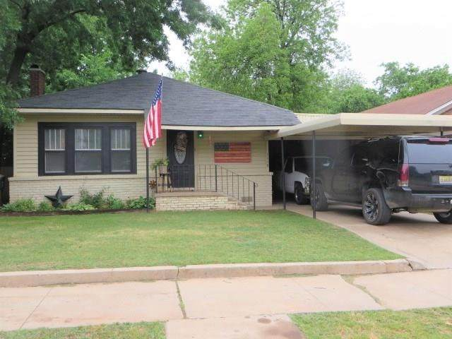 1118 W Texas Avenue, Chickasha, OK 73018 (MLS #911262) :: Homestead & Co