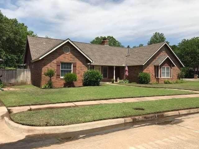 3312 Walnut Road, Norman, OK 73071 (MLS #912863) :: Homestead & Co