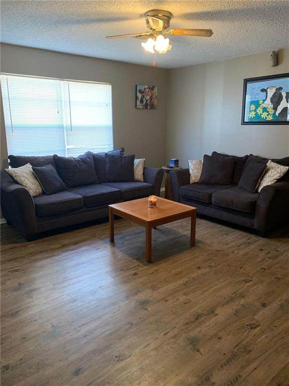 404 Jarman Drive, McLoud, OK 74851 (MLS #913426) :: Homestead & Co