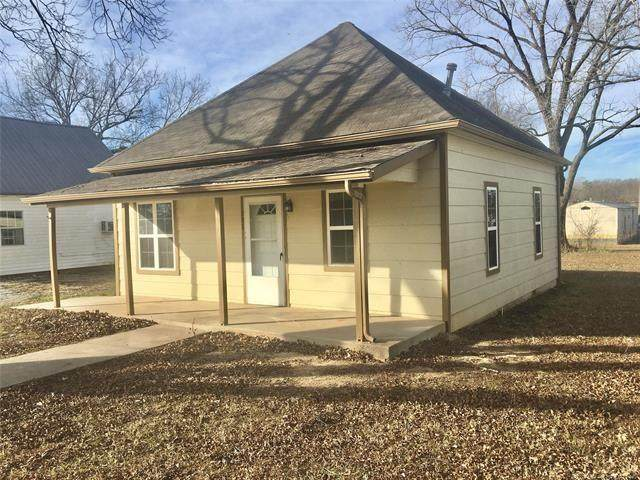 207 S Sidney Avenue, Francis, OK 74844 (MLS #915413) :: Homestead & Co