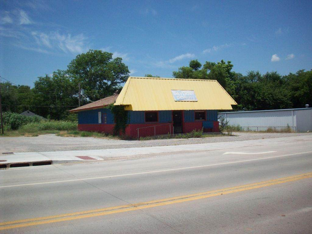 825 Chickasaw Street - Photo 1